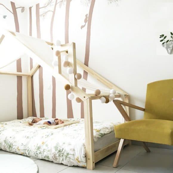 Comment préparer une chambre de bébé Montessori